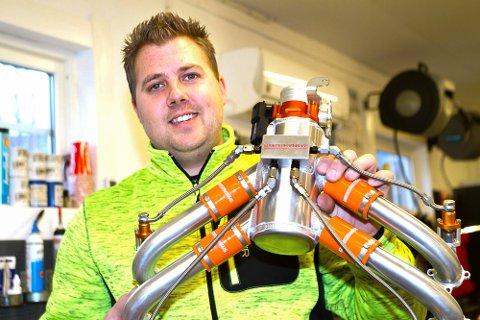 Skotselv 17012017. Thomas Hauklien (31) reparerer og bygger om flymotorer - og selger flydeler til hele verden gjennom firmaet Edgeperformance.no AS fra lokalene i Strandveien i Skotselv.