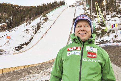 Buss for tog: Arne Åbråten må satse på buss i hoppuka i mars.
