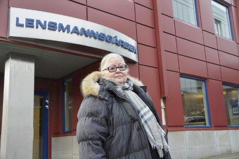 BLIR TRIST: Gulveig Nordalen jobbet ved Modum lensmannskontor i 33 år og liker dårlig den sentraliseringen og utviklingen hun nå observerer fra sidelinja. – Før var lokalkunnskap og åpne dører  to bærende elementer i etaten, sier hun.