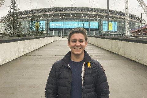 KJENT ARENA: Wembley Stadium i London er «klasserommet» til Mads Kleiv fra Vikersund.