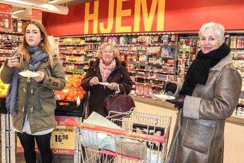 TRE GENERASJONER: Karoline Madsen Dahl (f.v), Ruth Dahl og Mette Madsen Dahl.