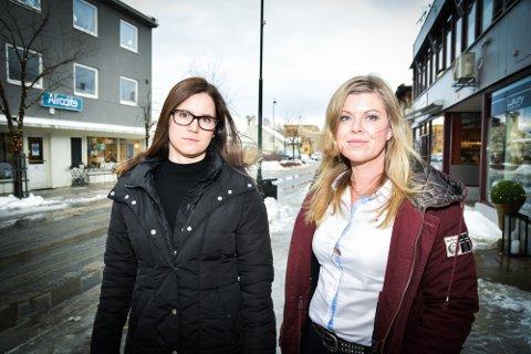 ADVARER: Liv Jane Tømte, hovedtillitsvalgt Fagforbundet (t.h.), og Silje Overn, hovedtillitsvalgt Norsk Sykepleierforbund.