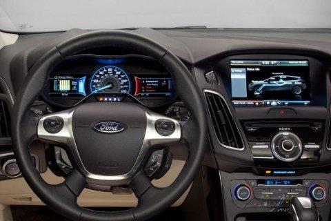 Ford har laget en ny utgave av sin elektriske Focus. Den har fått bedret rekkevidden og en facelift. Samtidig er prisen kun 233.000 kroner, og er med det en av de billigste elbilene på markedet.