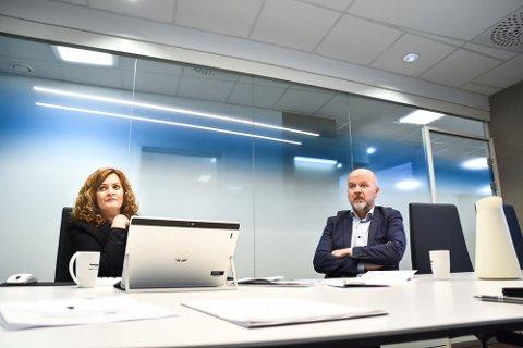 PENE TALL: Banksjef for økonomi og finans Kristin Myrmel Skinstad og administrerende banksjef Egil Meland.