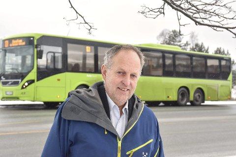 UENIG: Lavrans Kierulf (FrP) mener fylkesvaraordfører Olav Skinnes (Sp) (bildet) kom med direkte misvisende påstander i et intervju om fylkesveier i Bygdeposten 4. mars.