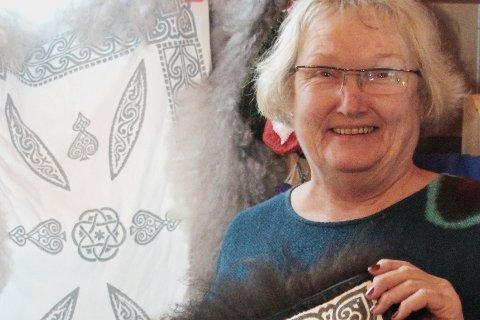 KUNNSKAPSRIK: Malle Eken Tandberg har samlet husflid og håndarbeider i mange år og er en kapasitet i skinnsøm.Arkivfoto