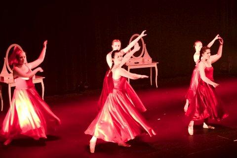 DANSERE: Det blir både klassisk ballett og andre stilarter under forestillingen. I tillegg til solosang og instrumentalt. Arkivfoto