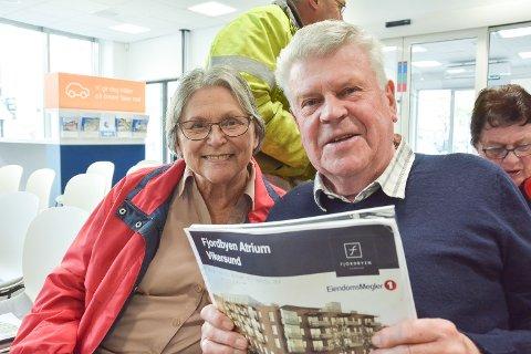 VIL KJØPE: Pensjonistene Edith og Kjell Christiansen har sett seg ut en leilighet de vil by på. Den er på 97 kvadratmeter og har en prisantydning på nesten 4,7 millioner kroner.