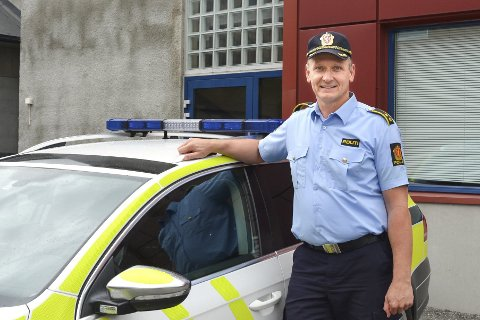 ROSER: Førstebetjent John-Atle Holseth takker kvinnen for hjelpen og beskriver den som helt avgjørende.