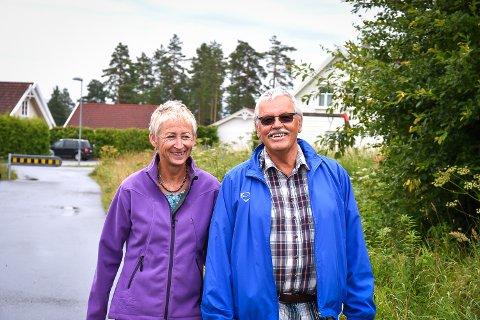 TOK GREP: MS-syke Liv Myhre og borrelia-syke Arne Sæther på Ormåsen i Øvre Eiker har brukt over én million kroner på behandling av egen helse på utenlandske sykehus.
