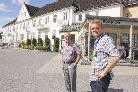 Har overtatt stafettpinnen: David Haavik Nilsen (til høyre) tar over som overlege etter sin far, Kjell Haavik Nilsen.
