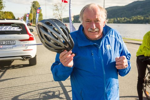 GLEDER SEG: Johan Kaggestad gleder seg over å bli hedret med eget sykkelritt i Vikersund, med stor oppslutning fra sambygdinger og andre.