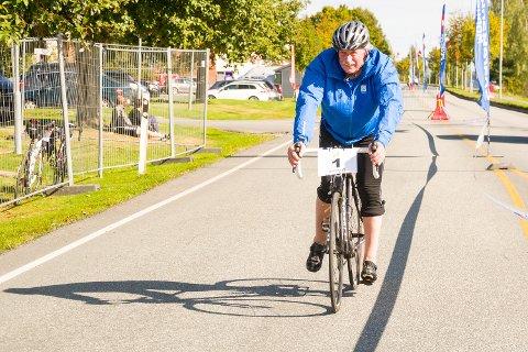 MER SYKLING: Johan Kaggestad fortsetter som sykkelkommentator nr. 1 for TV 2.