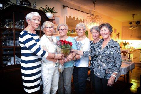 SISTE KVELDEN: Randi Solvang Nikkerud (f.v.), Inger Østerhaug, Edith Skistad, Borgny Clausen, Randi Liverud  og Synneva Nilsen.