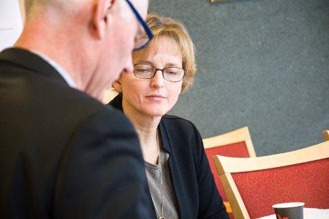 VIL SNU TRENDEN: Rådmann Aud Norunn Strand sier at de skal forsøke å bekjempe barnefattigdommen i Modum ved å jobbe konkret med den enkelte familie for å skape varig endring.