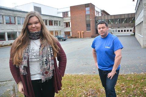 SALG AV NARKOTIKA: Elevrådsleder Sarah Plomås Strandbråten og rektor Knut Erik Hovde, mener politiet må få utvidede fullmakter til å gjennomføre narkotikaaksjoner mot skolen