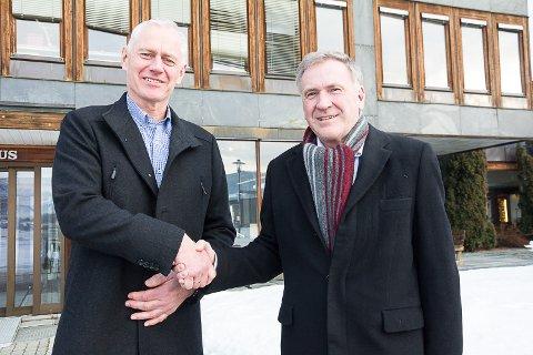 NY STYRELDER: Ordfører Ståle Versland er svært fornøyd med at Arne Ramberg har takket ja til å bli ny styreleder i Midtkraft. Han velges formelt 14. februar.