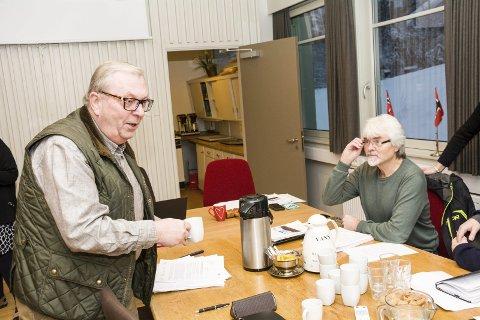 INGEN AVKLARING: Bård Sverre Fossen (H - t.v.) mener han ikke fikk noe klart svar av kommunestyret om byggegrensene i fjellet etter Runolv Steganes (t.h) forslag i formannskapet.
