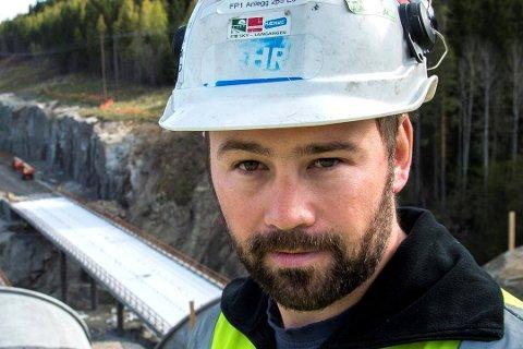 MER JOBB: Lars Hæhre hos BetonmastHæhre får snart mer jobb for sine ansatte.