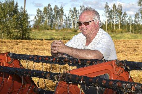 DÅRLIG ÅR: Nils Røhnebæk må oppsummere 2018 som et dårlig kornår.