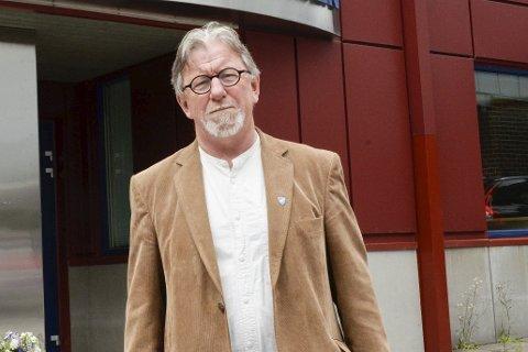 HAR RINGT OG RINGT:– Tre ganger har jeg ringt Modum lensmannskontor uten å få svar, forteller varaordfører Ole Martin Kristiansen i Modum.