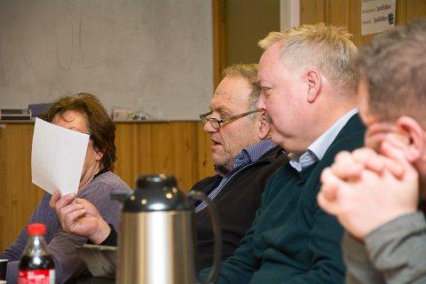 GA MEDHOLD: Nils Berg (Senterpartiet) og John Arne Wendelborg (Høyre) stemte begge for å gi Jacob Sinding Hadley konsesjon for kjøp av Austad gård.