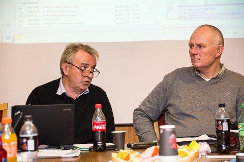INGEN DEBATT: Saken om avviklingen av Hervig gård ble enstemmig vedtatt uten debatt i hovedutvalget for teknisk sektor og landbruk i Modum. Hovedutvalgets leder Gotfred Rygh (SV) og Harald Silseth, teknisk sjef.