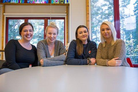 STERKT ØNSKE: Kristine Pedersen, Tina Helene Kolbræk, Vilde Storebråten og Hedda Skretteberg har alle et sterkt ønske om å bli sykepleiere. Norsk sykepleierforbund varsler om stor mangel på sykepleiere i framtida.
