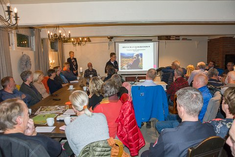 FULLT: Stor interesse for kommuneplanen for deler av fjellet og Eggedal sentrum under tirsdagens informasjonsmøte.
