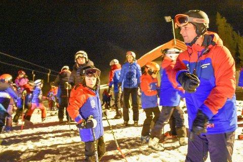 IVRIG TRENER: Når Marius Arnesen ikke kommenterer alpint på NRK bruker han mye tid på talentene i alpingruppa i Krødsherad. Han vil ikke bli overrasket om en av utøverne tar steget hele veien opp en gang i fremtiden.