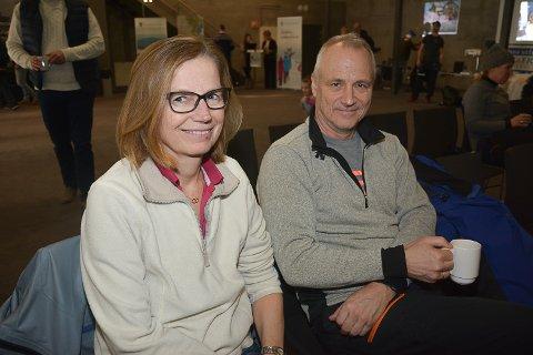 INTERESSERT I UTVIKLINGEN Kjersti Halseth og Lars-Erik Fusdahl ønsker ikke en massiv utbygging av nye hytteområder. De mener det ødelegger for skiopplevelsen