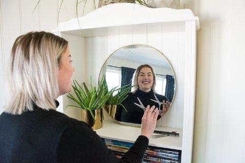 GRÜNDER: Martine Skinstad Johnsen satser som frisør med hjemmebesøk som spesialitet, men hun kommer til å ha basen sin hos Calma i Geithus.