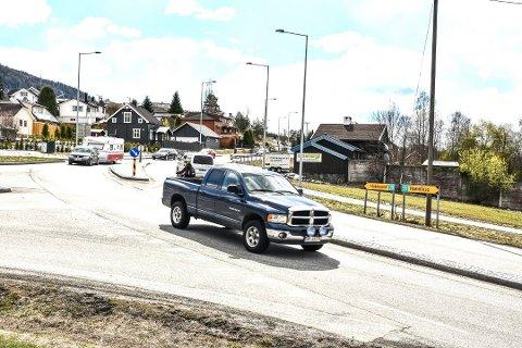 UTBEDRES? Kan man klare seg med en oppgradering av dagens riksvei i stedet for å bygge nytt, spør Olav Skinnes – som mener regjeringen ikke ønsker å bygge ny vei.