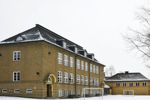 SØKER: Stalsberg skole søker etter ny rektor.