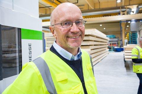 TRAPPER OPP: Daglig leder Morten Leander Johnsen forteller at Splitkon har fulle ordrebøker og er i ferd med å trappe opp produksjonen etter oppstarten. De har flere prestisjebygg på gang.