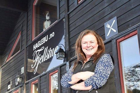 HAGLEBU FJELLSTUE: Mona Olsen er fornøyd med at Haglebu fjellstue er et av stedene i NAF sin nye satsning.