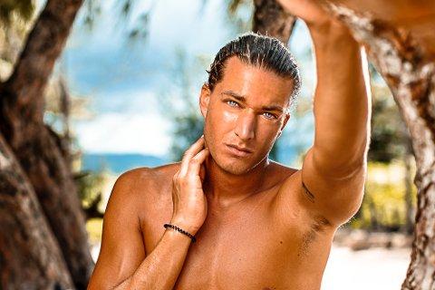HAR DRAGET PÅ DAMER: Lars Petter Fuhre Krogstad fra Geithus deltar i Ex on the beach og legger ikke skjul på at han trekker til seg damer.
