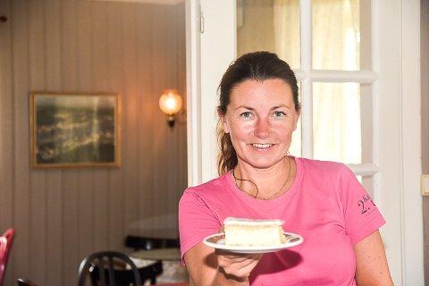 SERVERING: Fremover blir det kun servering i Vikersundgata ettersom kaféen på Åmotsenteret legges ned.