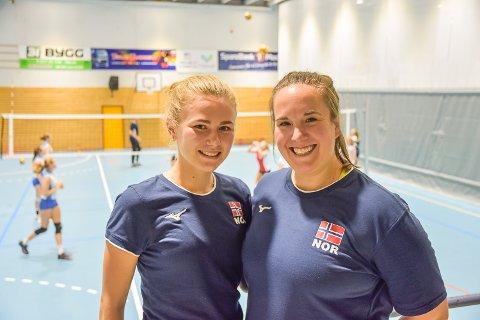 OPPKJØRING: Ingrid Roness (t.v.) har forberedt seg til EM-kvalifisering i Modum. Her står hun sammen med trener Malin H. Skjelstad i Modumhallen hvor landslagsjentene trente denne uken.