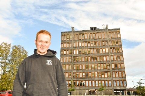 KOMMUNESTYRET: Jan-Erland Asbjørnhus er den nest yngste som har fått plass i kommunestyret.