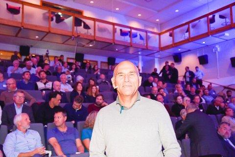ET AV HØYDEPUNKTENE: Til stor glede for publikum hadde Arthur Buchardt flere forslag til forbedring.