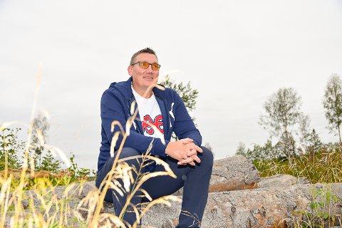 ØNSKER NÆRINGSUTVIKLING: Grunneieren i Vikersund Nord-krysset Torvald Saastad er positiv til at kommunen kan kjøpe tomta.