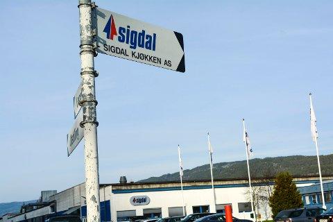 SIER OPP ANSATTE: Sigdal Kjøkken i Nedre Eggedal reduserer produksjonen i fabrikken med 10 årsverk.