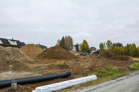 MER GRAVING: Kommuenstyret ønsker fortetting og nytt boligfelt på Nerstad. Det betyr mer graving og utvikling av tettstedet.