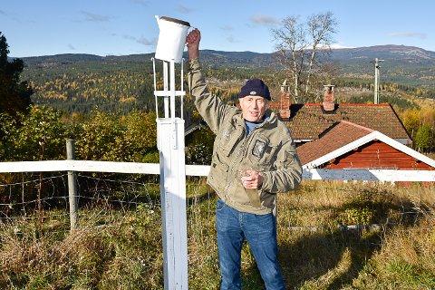 OBSERVATØR: Einar Grimelid har jobbet som observatør for Meteorolgisk institutt siden han var 12 år gammel.