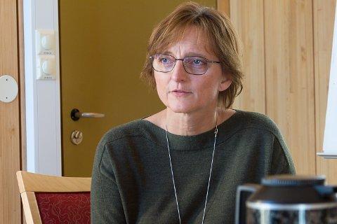 VIL MERKES: Aud Norunn Strand legger fram et budsjettforslag som betyr kutt på 8,8 millioner. – Det kommer til å merkes på tjenestene, sier hun.