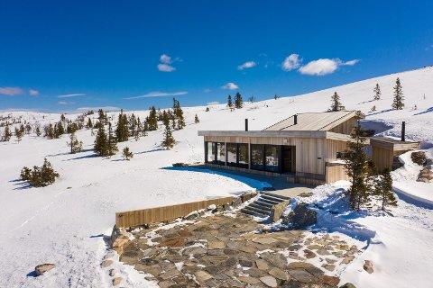 Denne hytta ved toppen av heisen på Haglebu ligger ute for salg til 11,5 millioner kroner. Det kan bli prisrekord på det åpne markedet på Haglebu.