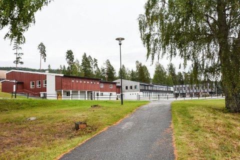 VEDTATT NEDLAGT: I et lukket møte vedtok flertallet i kommunestyret at det kun skal bygges en skole i Krødsherad, og at Krøderen skole skal nedlegges. Det får mange til å reagere.