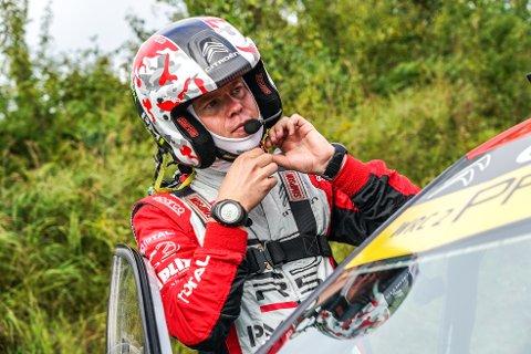 RØRT: Torstein Eriksen, kartleseren fra Steinberg, var rørt ved tanken på å bli verdensmester i rally.