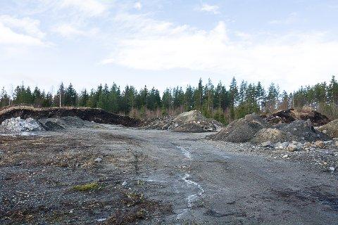 SNØDEPONI: De neste årene blir dette området på Vikermyra på Tangen snødeponi for Modum kommune.